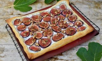 Honeyed Fig & Goat's Cheese Tart with Walnuts, Thyme & Chocolate Balsamic