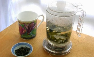 IngenuiTEA - teapot and tea review.