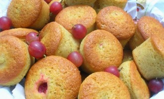 Little Red Gooseberry Cakes