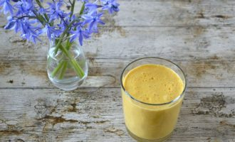 Carrot Smoothie with Ginger & Orange