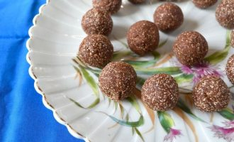 Organic Chocolate Truffle Recipe with Oats