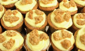 Apple Crumble and Custard Mini Cakes