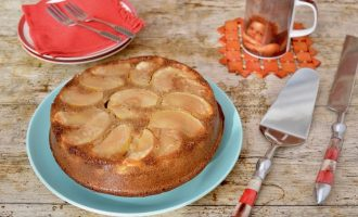 Upside-Down Apple Cake
