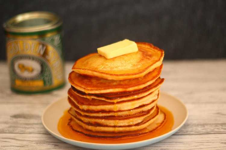 Easy Fluffy American Pancakes via Apply to Face Blog